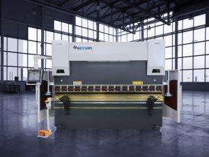 135 tonelada ng CNC Hydraulic Press Brake