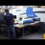 Mataas na kalidad servo cnc hydraulic turret punch press machinery
