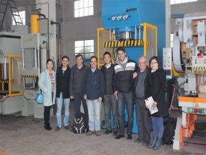 Ang Delegasyon ng Peru ay Dumating sa Pagbisita sa aming Factory at Buy Machines