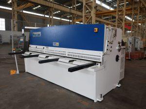 mataas na cutting katumpakan QC12Y 4x2500 sheet metal naggugupit machine bakal plate haydroliko naggugupit machine