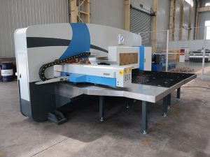 ginamit cnc turret punch press